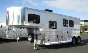 2 Horse Sundowner Trailers Santa Fe living quarters Horse Trailer
