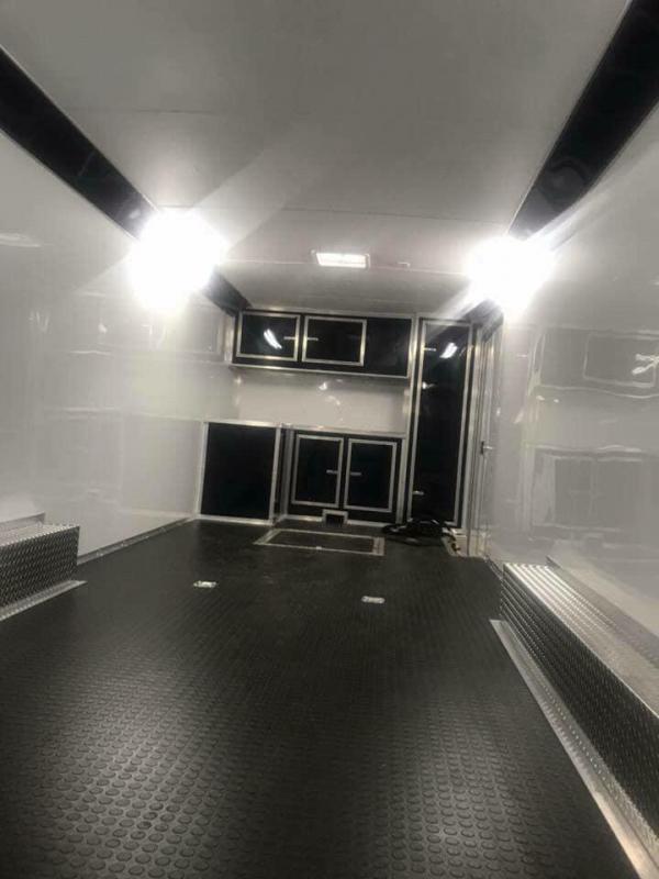 32' TANDEM SPREAD  Continental Cargo AutoMaster RACE  Car / Racing Trailer
