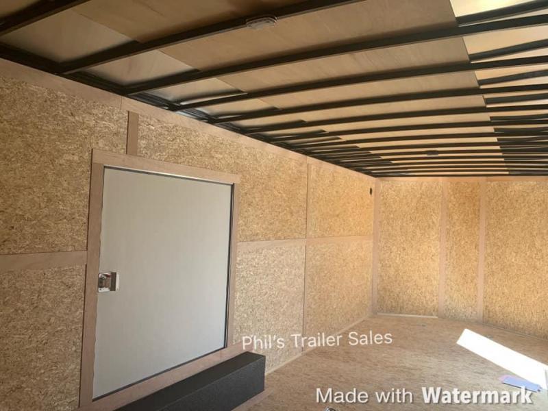 24'  Wells Cargo ROAD FORCE 7 FT  WITH ESCAPE DOOR Enclosed Cargo Trailer