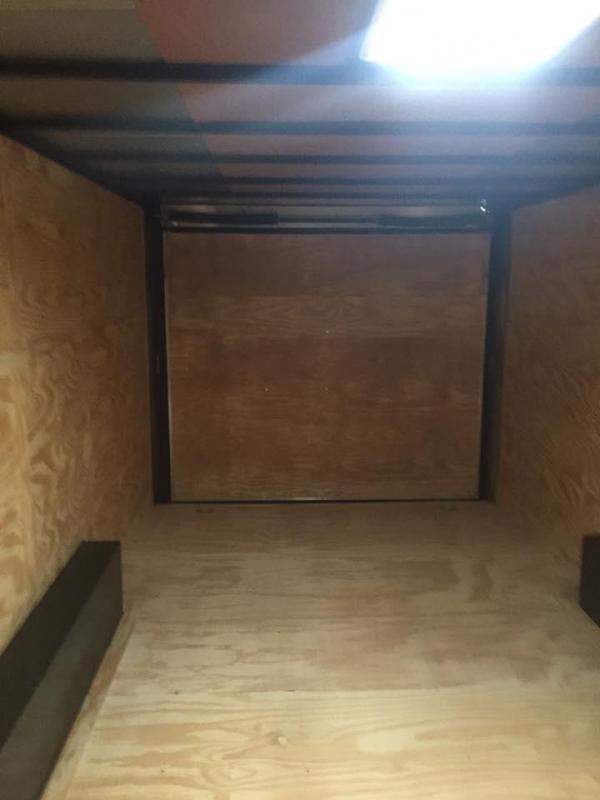 24'   BLACKOUT TORSION screwless Enclosed Cargo slant Trailer