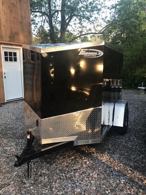 2019 FORMULA 5' X 10' ENCLOSED CARGO TRAILER