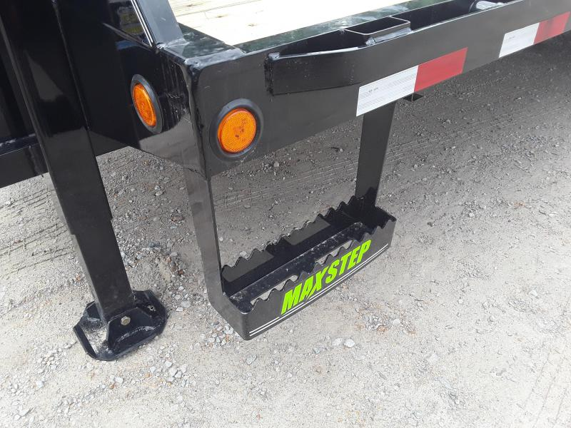 """2019 Load Trail 102"""" X 32'  Low-pro Gooseneck Flatbed W 2 12k axles - Hydraulic """"Black Wood"""" high traction dove and Hydraulic Jacks"""