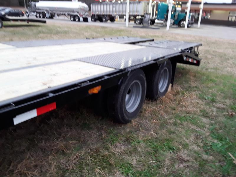 2019 Iron Bull 25' Flatbed Trailer