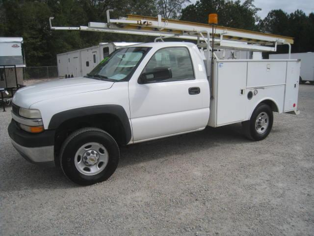 2001 Chevy C2500 Utility Truck with 6.0 Motor