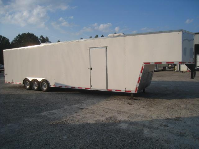 2018 Cargo Express Pro Flattop 40 Gooseneck Enclosed Cargo Trailer with Double Rear Doors in Trenton, NC