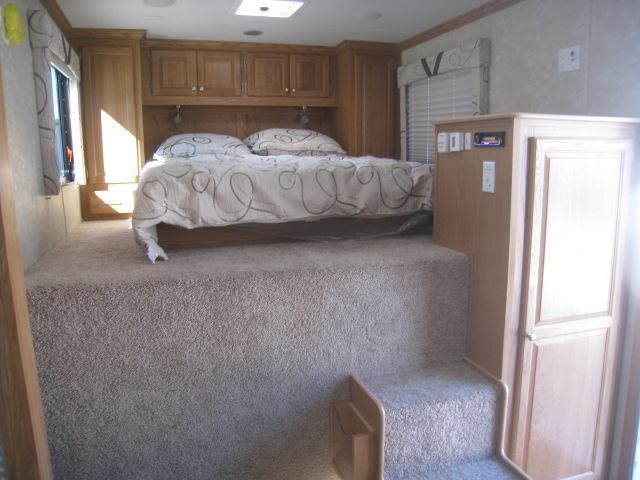 2019 Cargo Mate Eliminator 53' Living Quarters with Slideout