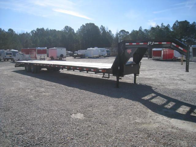 2018 PJ Trailers 40'  LD Low Pro Deckover with Monster Ramps