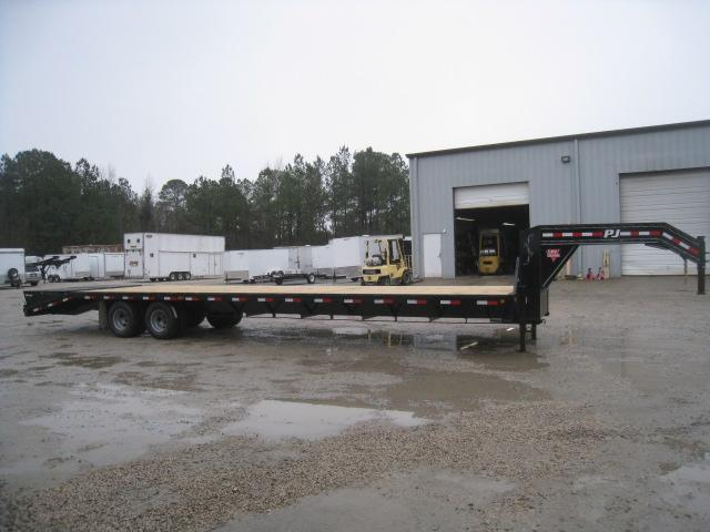 2019 PJ Trailers FD 36' Gooseneck Dual Tandem  Deckover Equipment Trailer