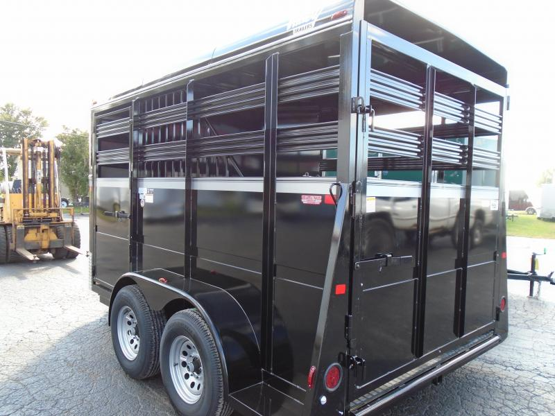 """2019 Valley Trailers 138""""TWO-HORSE SLANT BP 7' Horse Trailer"""