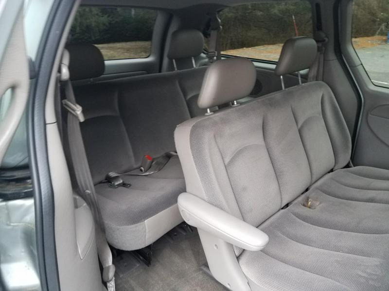 2003 Dodge Grand Caravan SE Car