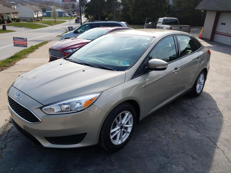 2015 Ford Focus SE Car