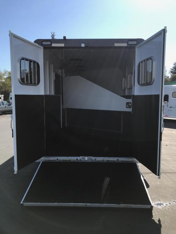 "2015 Trails West Sierra GN 3-Horse (7'6"")"