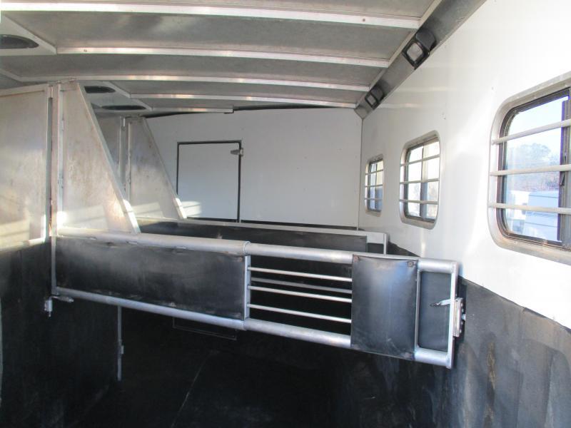 2004 Sundowner 727 Trailblazer 3H LQ Horse Trailer