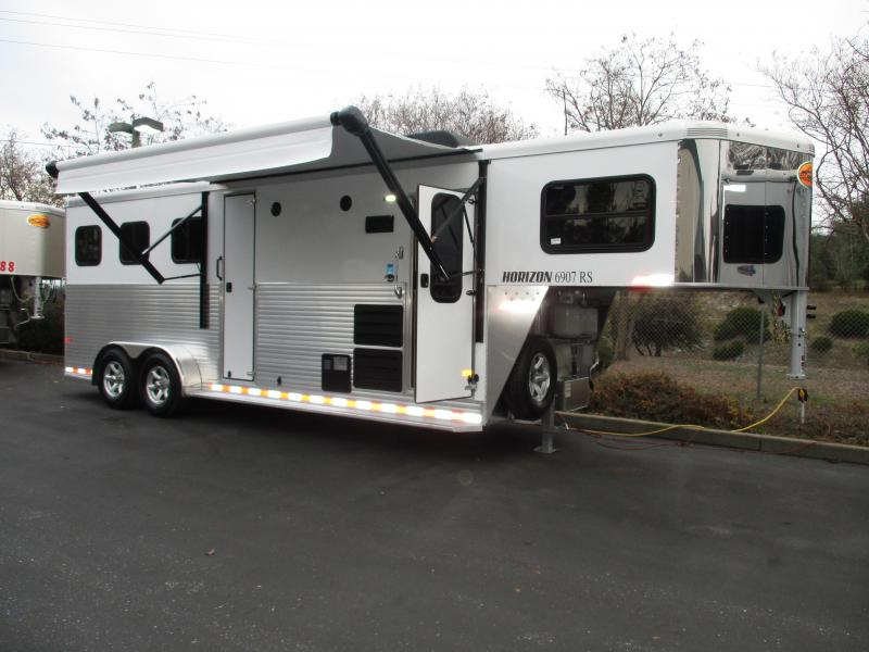 2018 Sundowner Trailers Horizon 6907 3H LQ Warmblood Horse Trailer