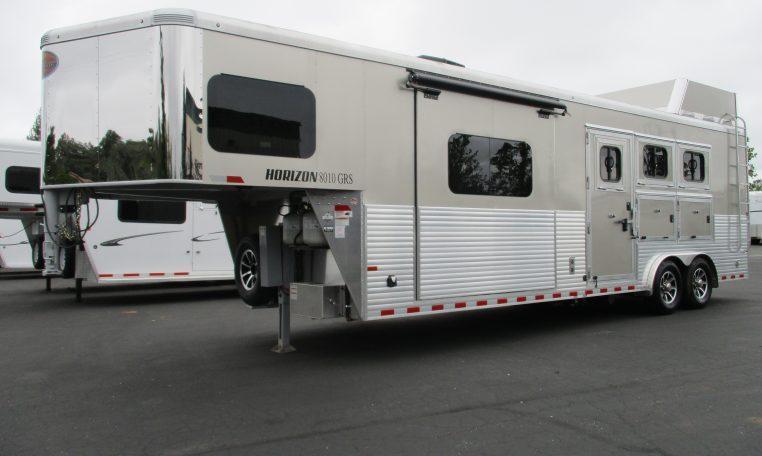 2019 Sundowner Horizon 8010 3H LQ Horse Trailer