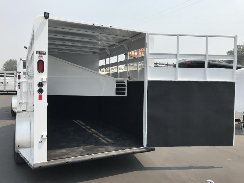 2019 Trails West Manufacturing Adventure 3H BP Horse Trailer