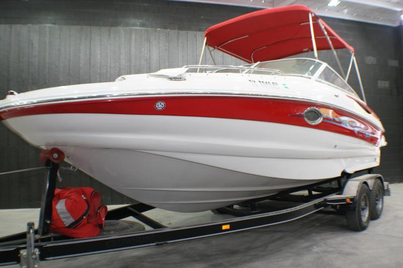 2007 Crownline 220EX Ski Boat