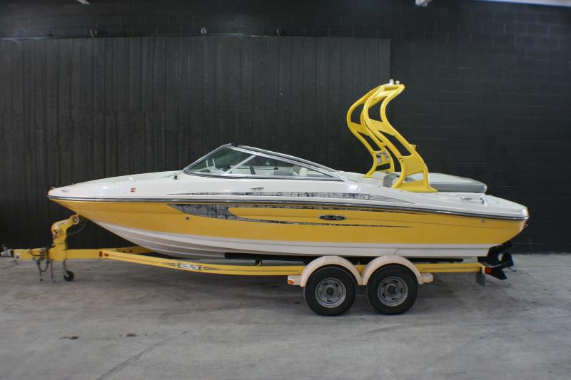 2009 Sea Ray 205 Ski Boat