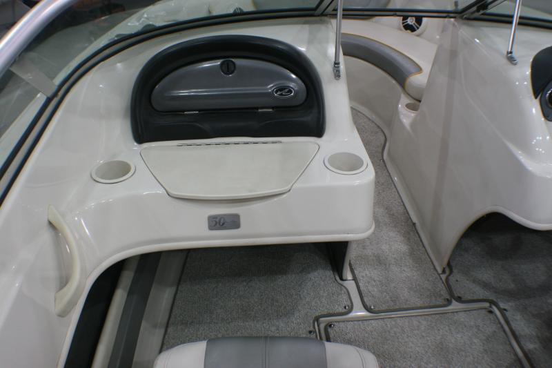 2009 Sea Ray 205 Ski Boat