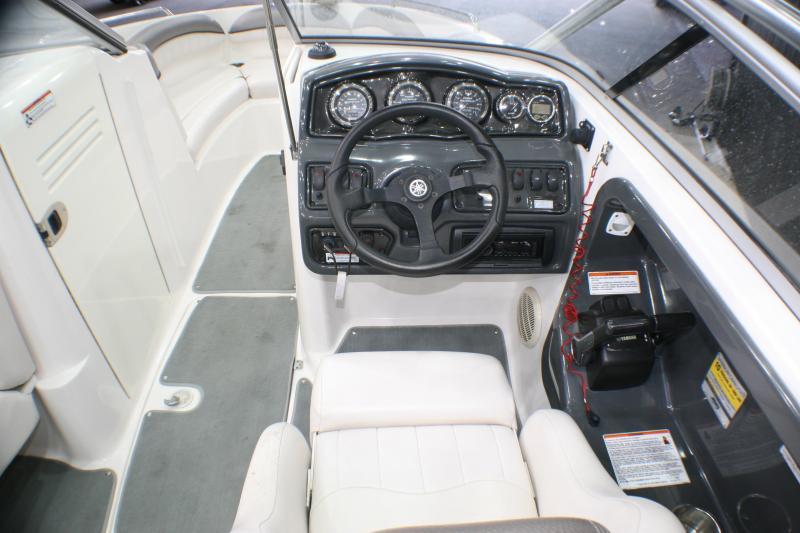 2007 Yamaha AR 230 Runabout Boat