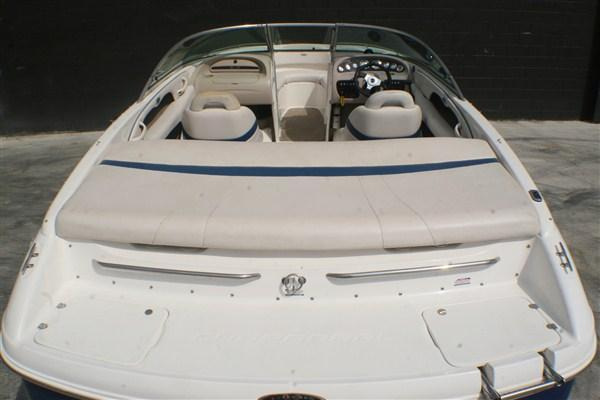 2000 Chaparral 216 SSI Runabout