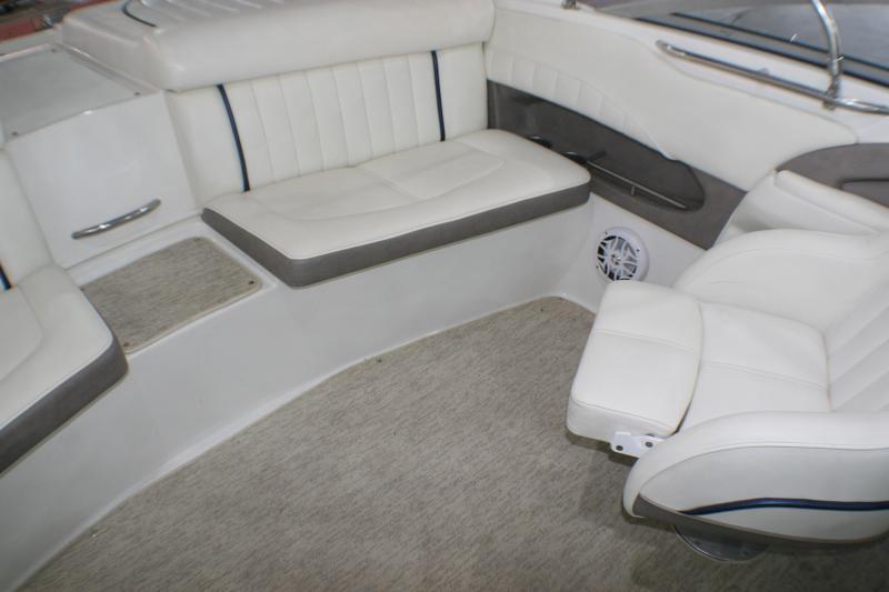 2005 Cobalt Boats 220 Runabout / Ski Boat