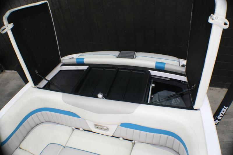 2014 Malibu MXZ Wakesetter Surf Boat