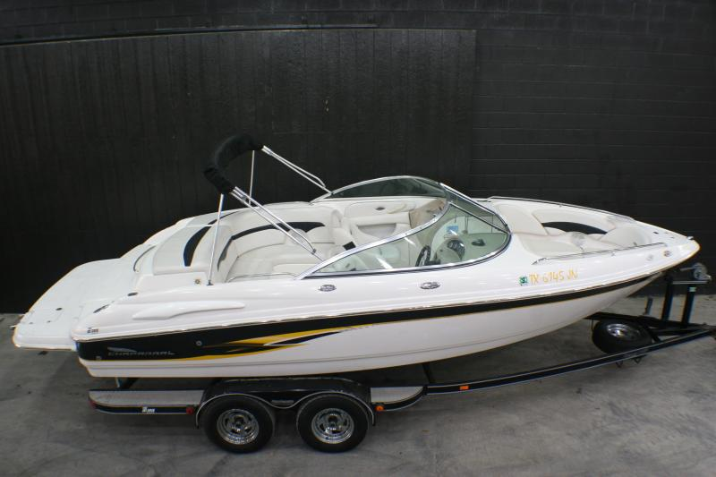2001 Chaparral 220 SSI Runabout Boat