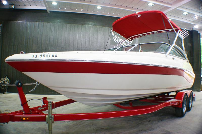 2005 Caravelle Boat Group 207 Runabout Boat