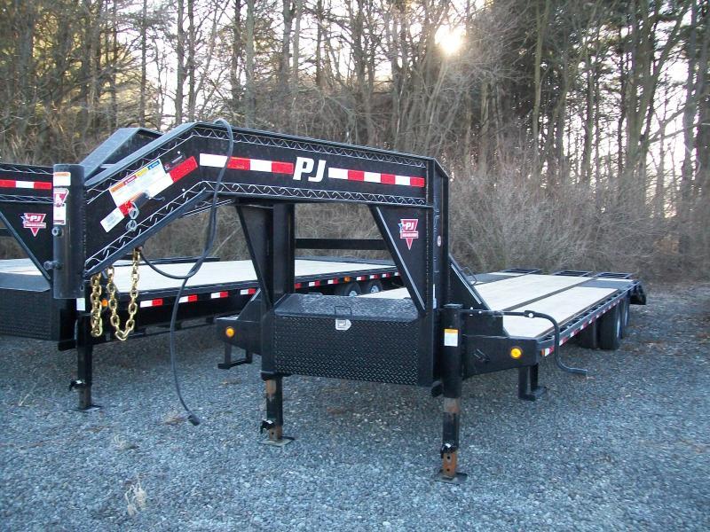 "2019 PJ LD 102""X32' 25K GVWR Flatbed Trailer"
