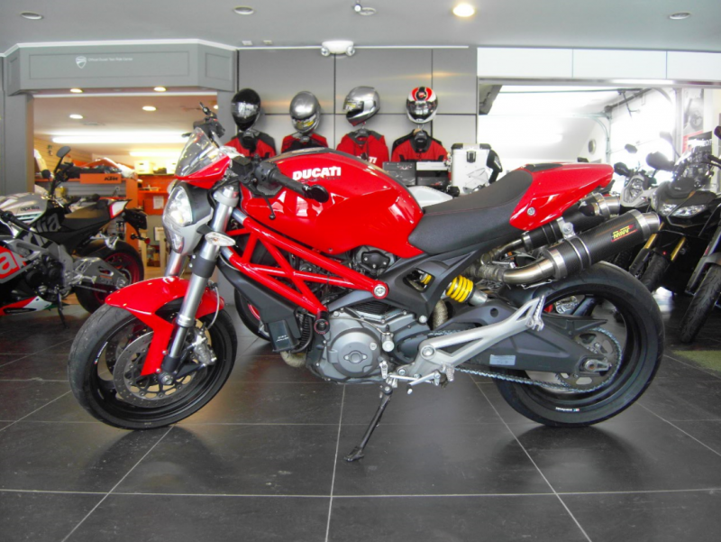 2009 Ducati Monster 696 Red