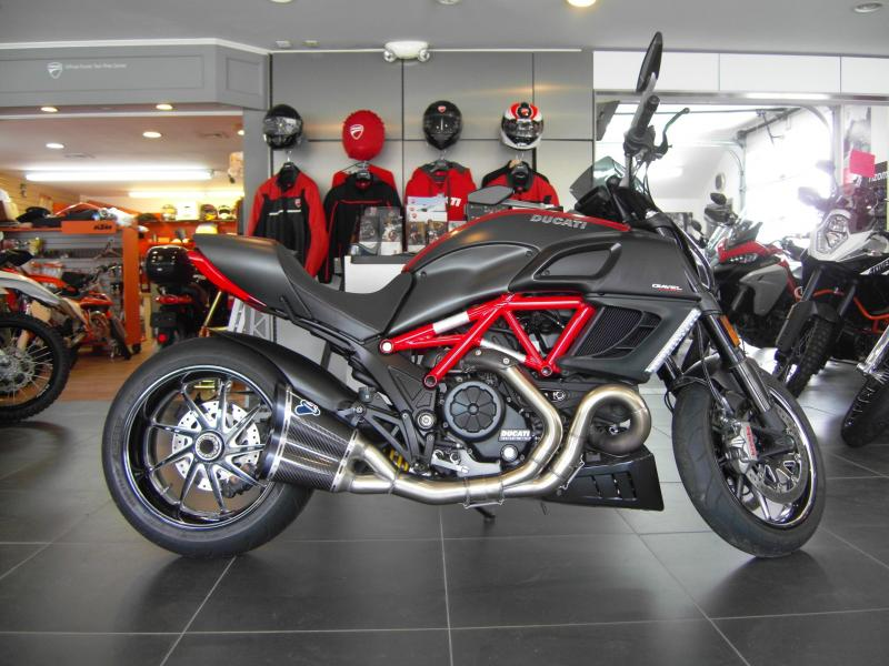 2013 Ducati Diavel Carbon Red