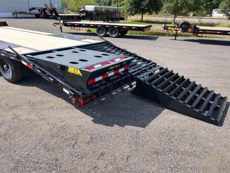 14PH-25BK+5MR BIG TEX 30' FLATBED TRAILER W/ MEGA RAMPS