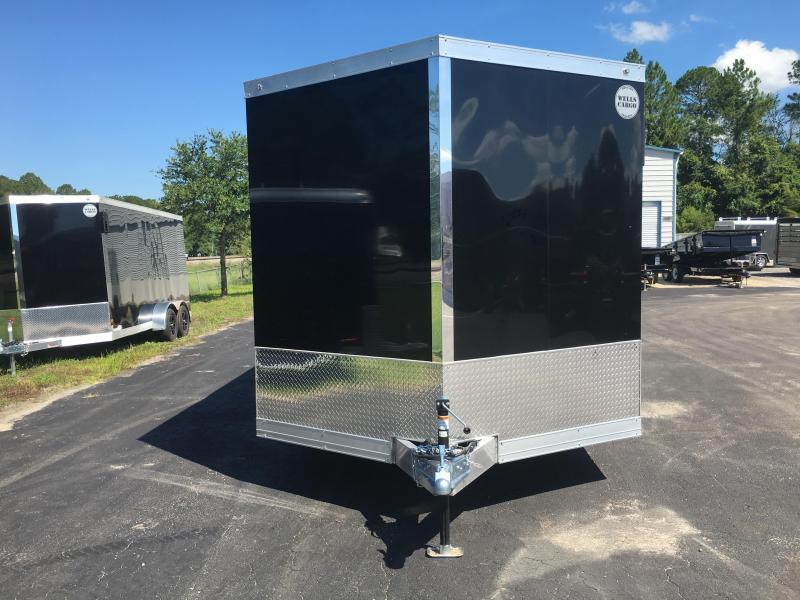 WAUV85X2024 WELLS CARGO 8.5X20 SILVER SPORT ALUMINUM ENCLOSED CAR HAULER W/ CUSTOM OPTIONS