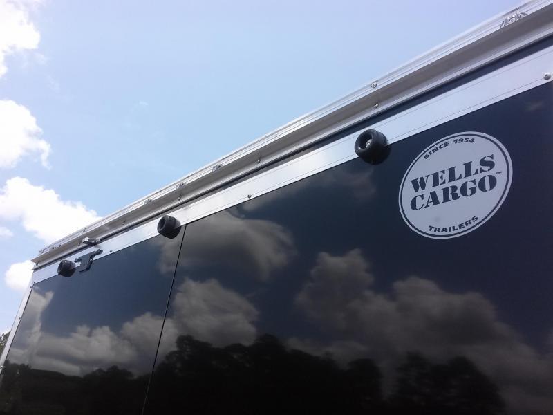 WAUV85X2022 WELLS CARGO 8.5X20 SILVER SPORT ALUMINUM ENCLOSED CAR HAULER