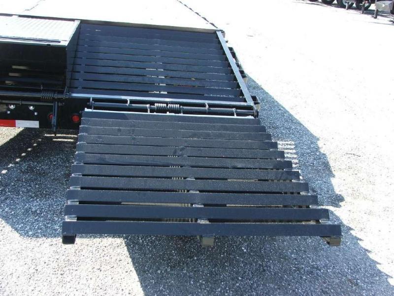22GN-35BK+5MR BIG TEX 40' GOOSENECK DUAL TANDEM FLAT BED W/ MEGA RAMPS & FREE SPARE TIRE