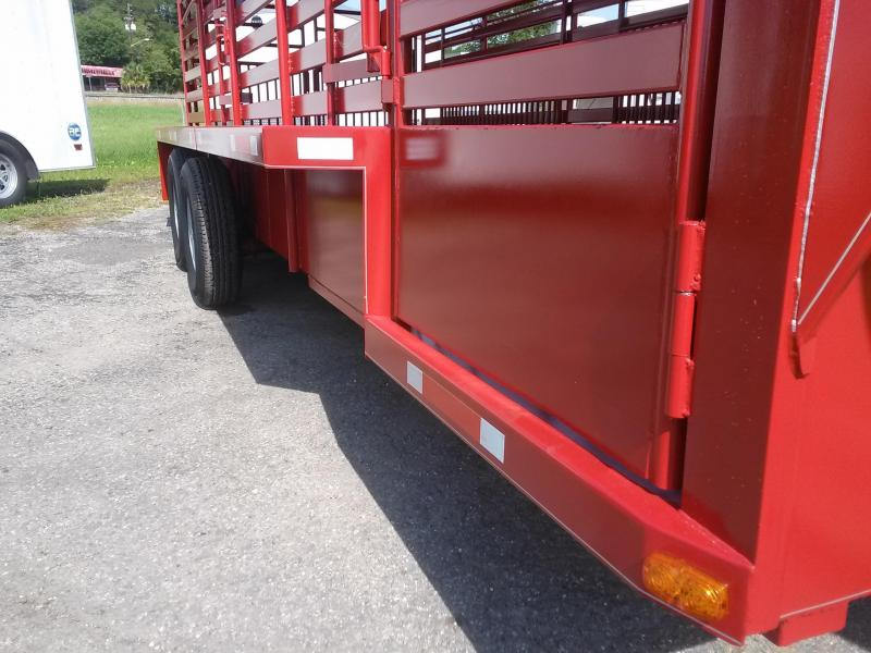ST2012G TEXAS TRAILERS 20' GOOSENECK HARD NOSE / HARD TOP STOCK TRAILER W/ CUSTOM OPTIONS