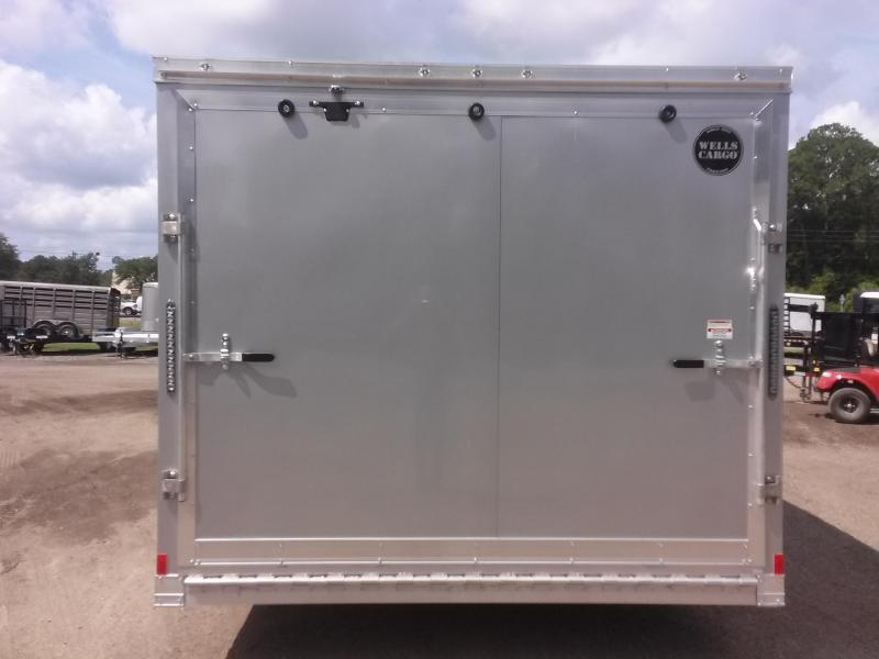 WAUV85X2022 WELLS CARGO 8.5X20 SILVER SPORT ALUMINUM ENCLOSED CAR HAULER W/ CUSTOM OPTIONS