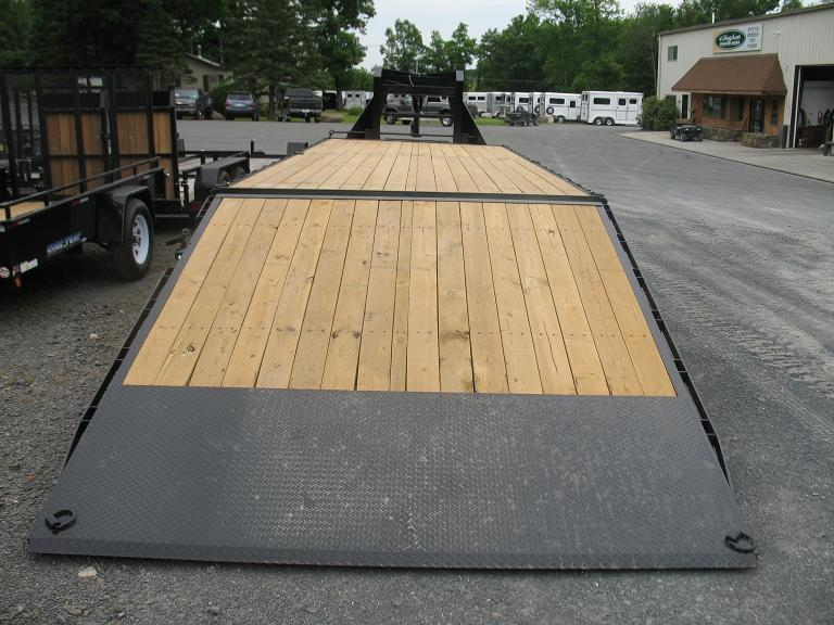 Sure-Trac HD Deckover GN w/ Hydraulic Dovetail Equipment Trailers