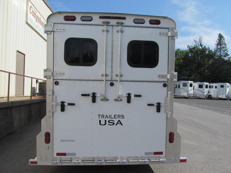 2019 Trailers USA Patriot 4 Horse Slant Straight Combo
