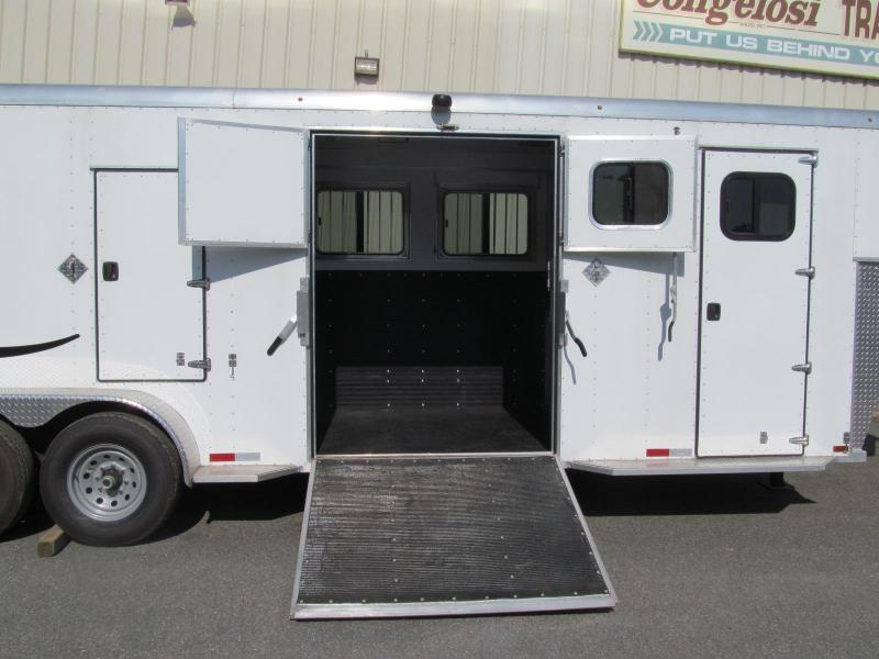 2018 Trailers USA Patriot 4 Horse Slant Straight Combo