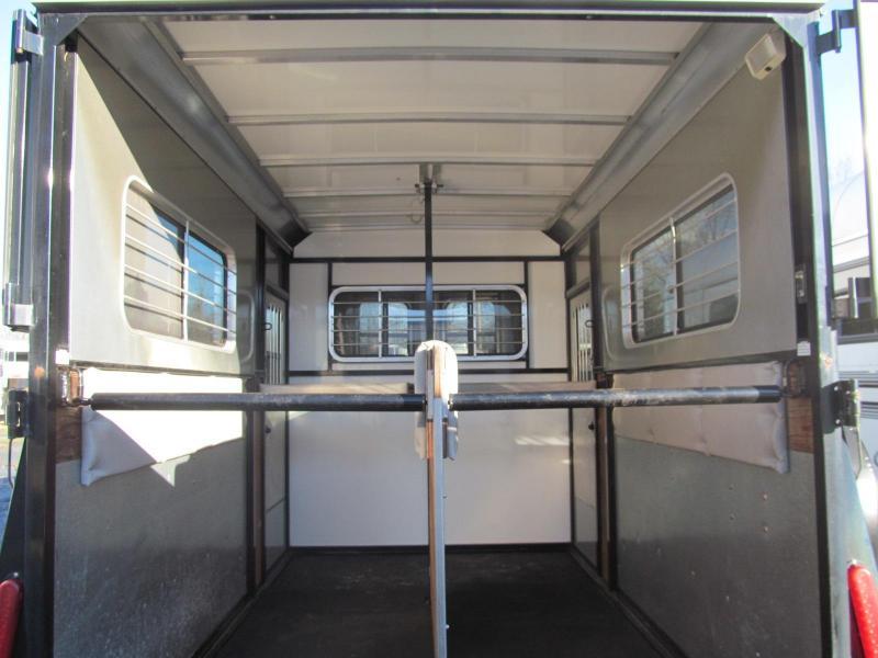 2006 Kingston Bedford 2 Horse BP W/ Dressing room Horse Trailer