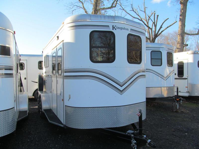 2006 Kingston Bedford 2 Horse BP W/ Dressing room Horse Trailer