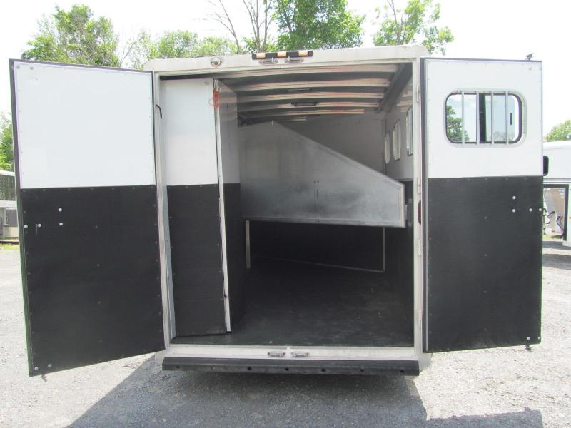 2004 Exiss Trailers 3H GN Sport Horse Trailer