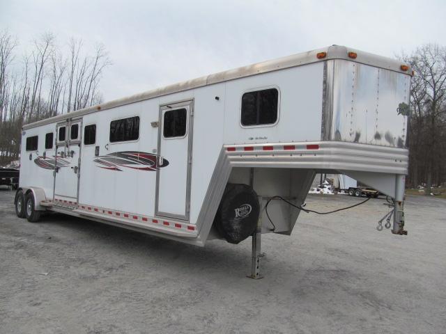 2006 Dream Coach 4 Horse HTH w/ DR Horse Trailer