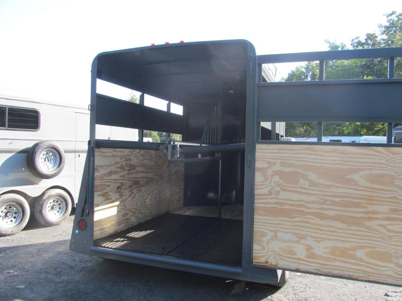 Valley Trailers 2 Horse Straight Load Stock Combo