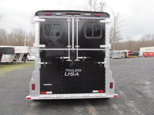 Trailers USA Patriot 2H GN w/ Dressing Room