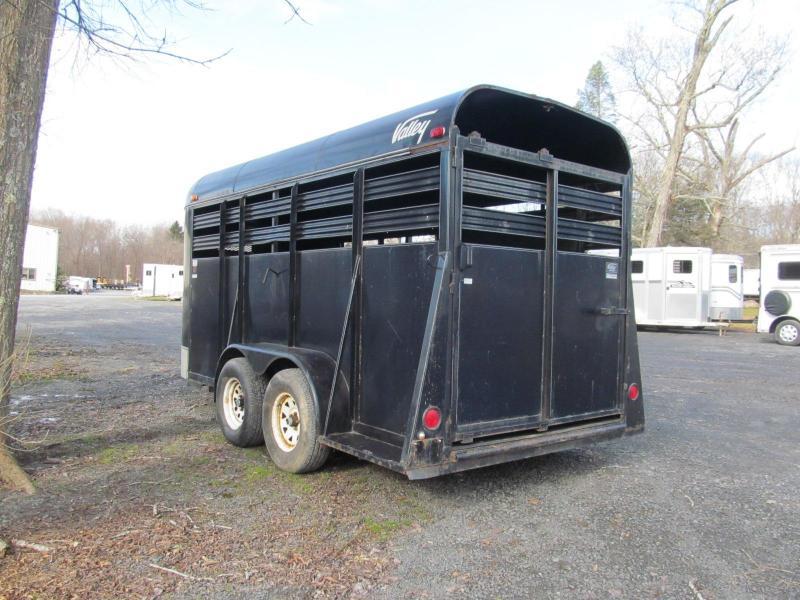 2000 Valley Bumper Pull Livestock Trailer