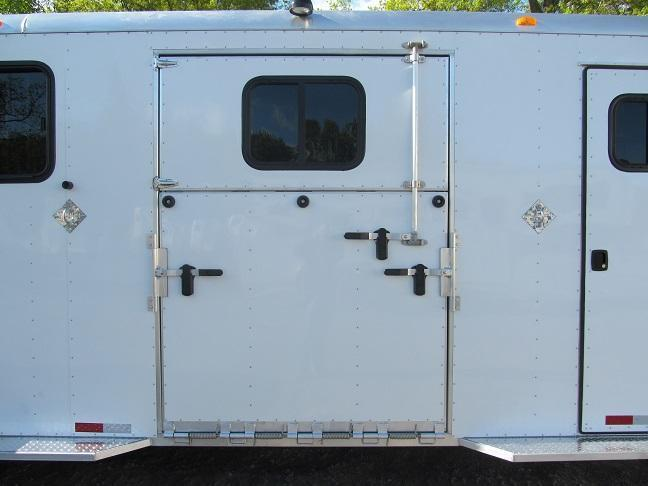 Trailers USA Inc. Patriot 2 plus 1 Combo GN Horse Trailer