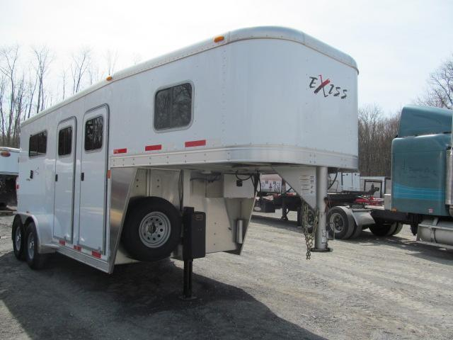 2013 Exiss 2H GN w/ Dressing Room Horse Trailer